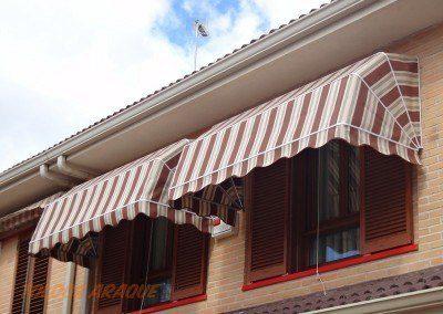 Empresa Toldos en Madrid  instaladores  CAPOTA 4 ARCOS