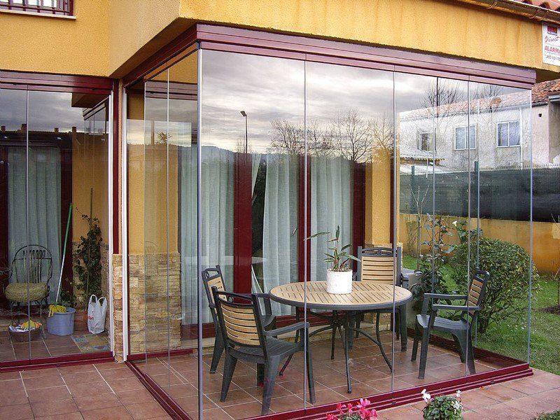 Toldos araque toldos en madrid toldos en valdemoro for Cortina cristal terraza