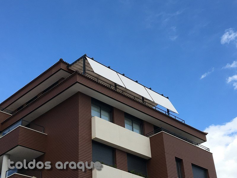 Empresa Toldos en Madrid toldos instaladores Araque Instalación de 2 pergolas 100 x 100 y 3 toldos portada de cofre en Madrid Trabajos realizados
