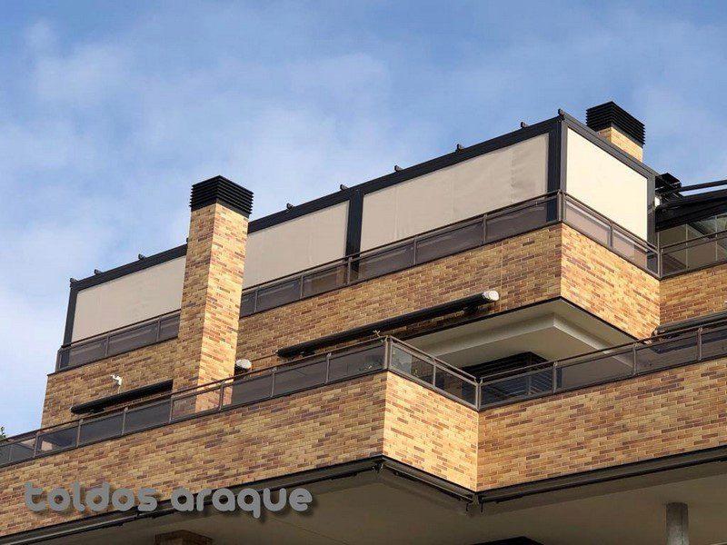 Instalación de 3 Pergolas Aluminio 80 x 40 y 5 Cortavientos cofre en Pinto – Madrid